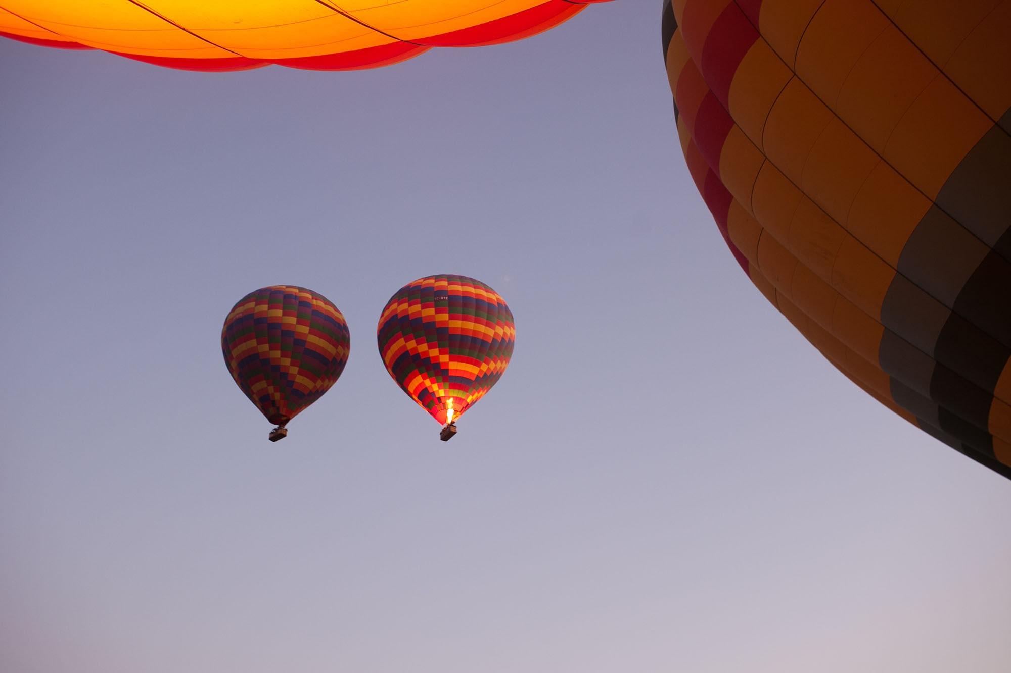 Ride on a hot air balloon - Hot air balloon ride in Cappadocia, Turkey